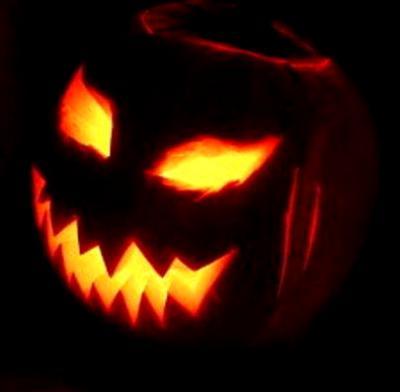 Halloween pumpkin decoration, photo credit: Wikipedia