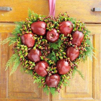 heart shape wreath, photo credit: Better Homes and Gardens