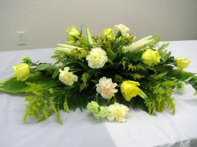 Casket spray arrangement