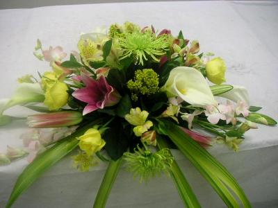 horizontal table arrangement